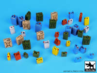 Moder plastic cans accessories set 1:35.